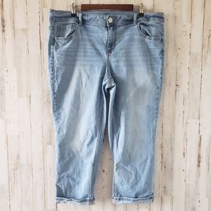 Lane Bryant Light Wash Cuffed Capri Jeans